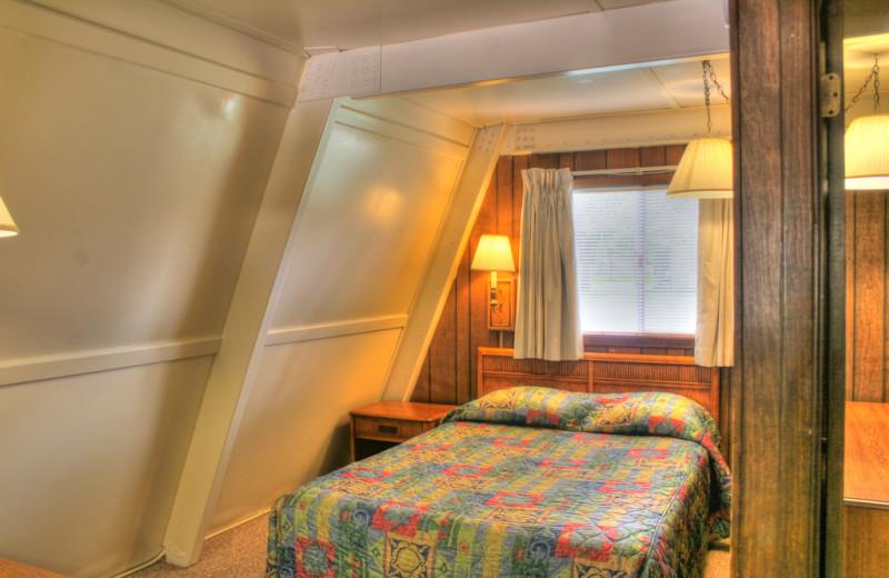 Guest bedroom at Heidelberg Lodges.
