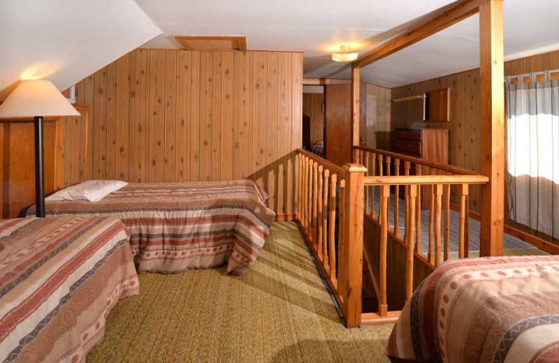 Guest room at Manotak Lodge