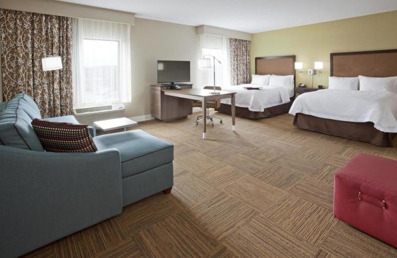 Guest room at Hampton Inn Minneapolis Bloomington West.