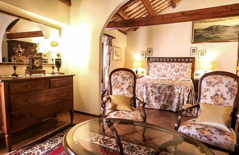 Guest room at Hotel Villa Luppis.