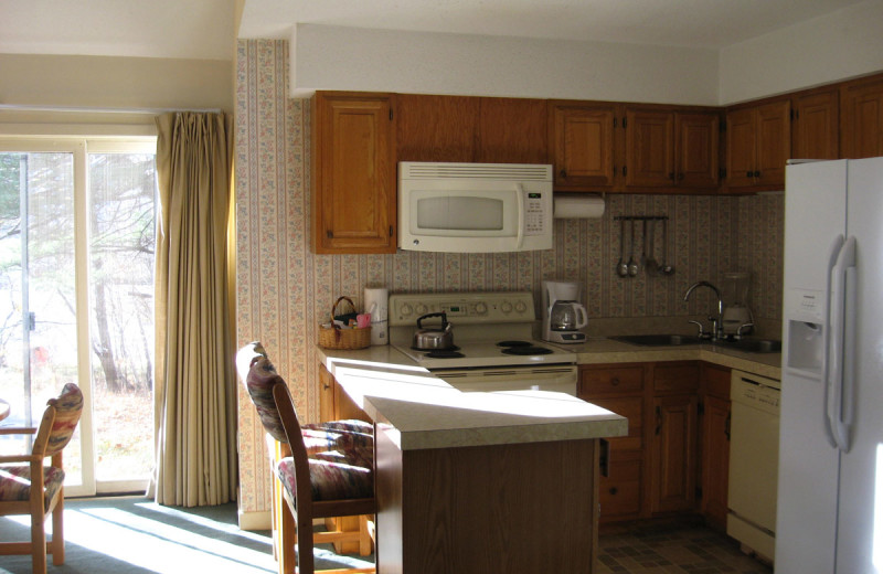 Guest kitchen at Cathedral Ledge Resort.