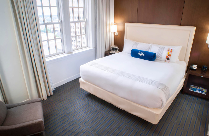 Guest room at The Ellis on Peachtree.