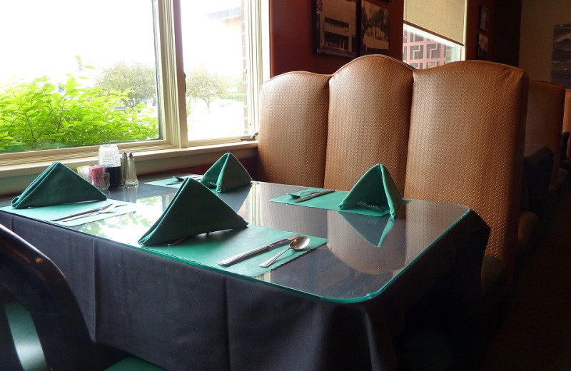 Booth dining at Jorgenson's Inn