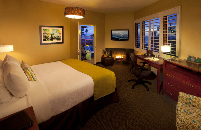 Guest room at Best Western-Beach View.