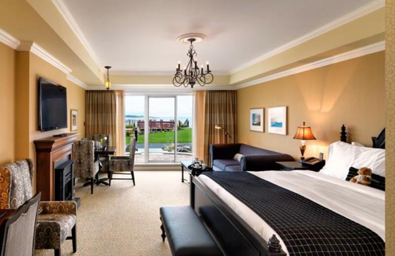 Suite bedroom at Oak Bay Beach Hotel.