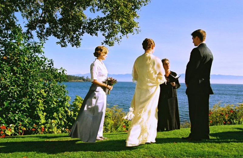 Marriage ceremony at Sooke Harbour House.
