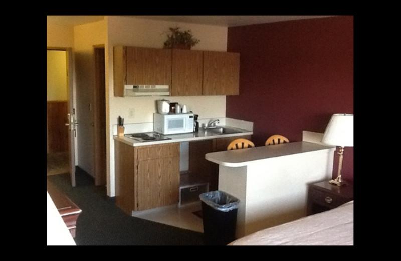 Guest kitchen at Midway Inn.