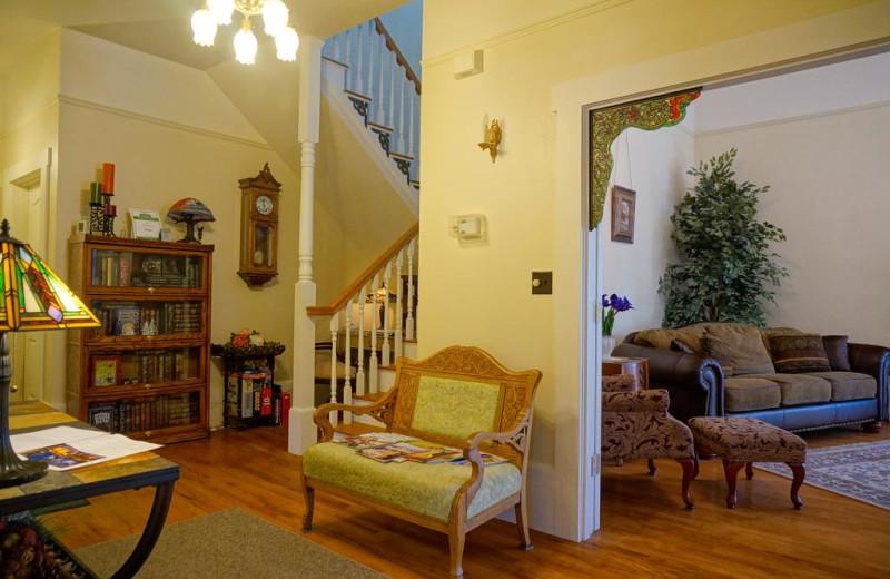 Living room at Starlight Pines B & B.