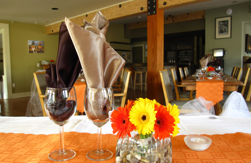 Wedding receptions at Red Tree Lodge.