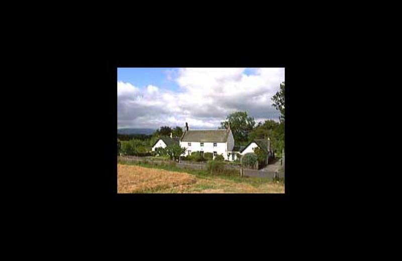 Exterior view of Gartinstarry B&B.
