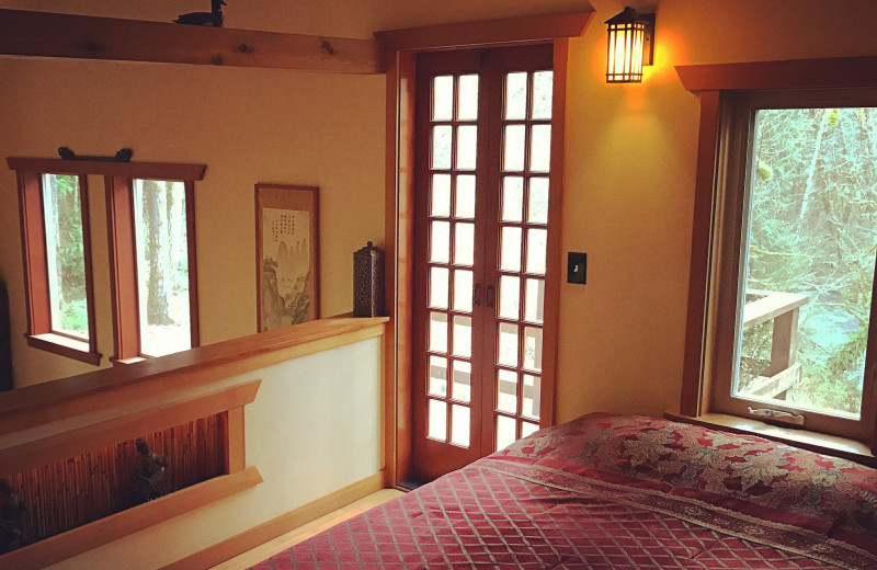 Guest room at Zen River Retreat.