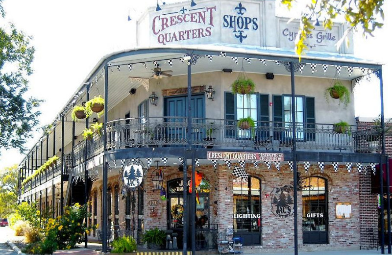 Exterior view of Crescent Quarters.