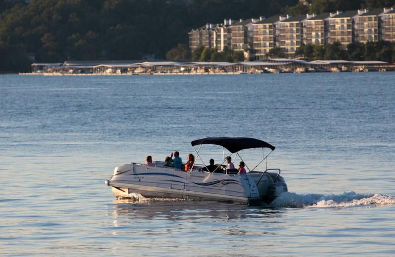 Boating at Lake Ozark Vacations.
