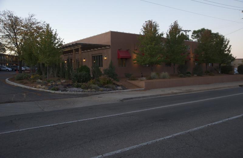 Exterior View of Santa Fe Sage Inn