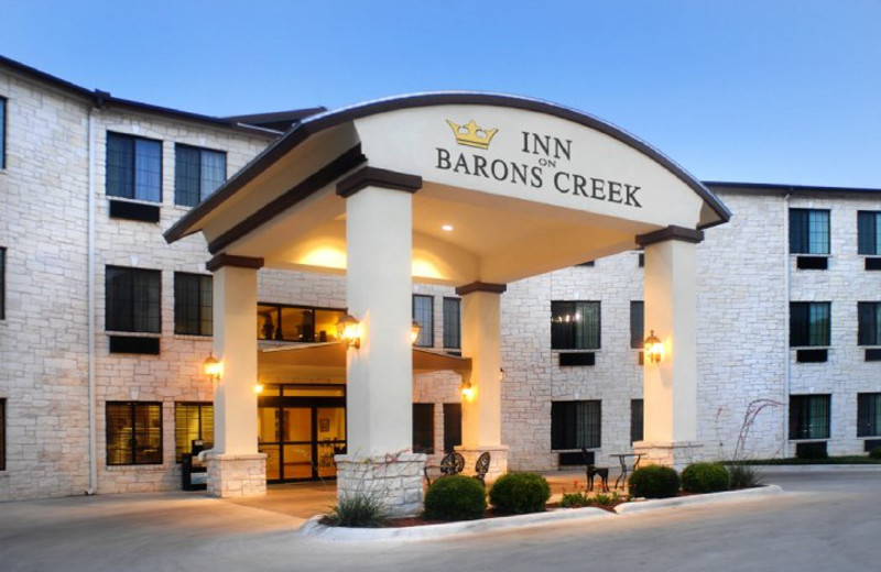 Exterior view of Inn on Barons Creek.