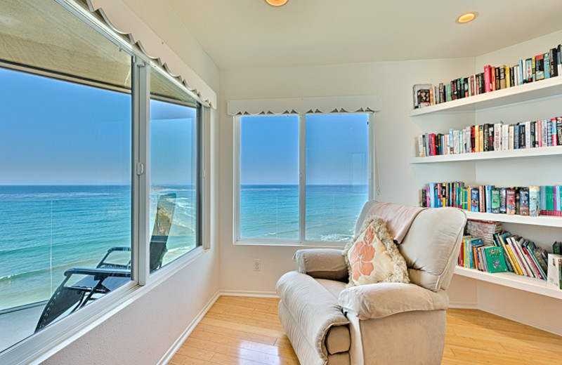 Vacation rental sitting area at Seabreeze Vacation Rentals, LLC.