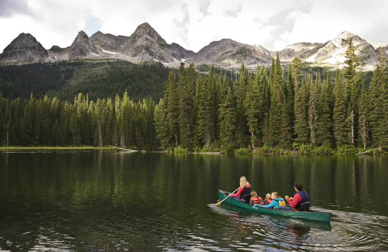 Canoeing at Island Lake Lodge.