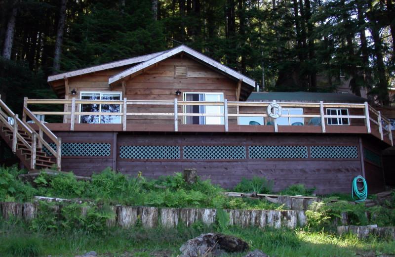 Cabin exterior at portsman's Cove Lodge.