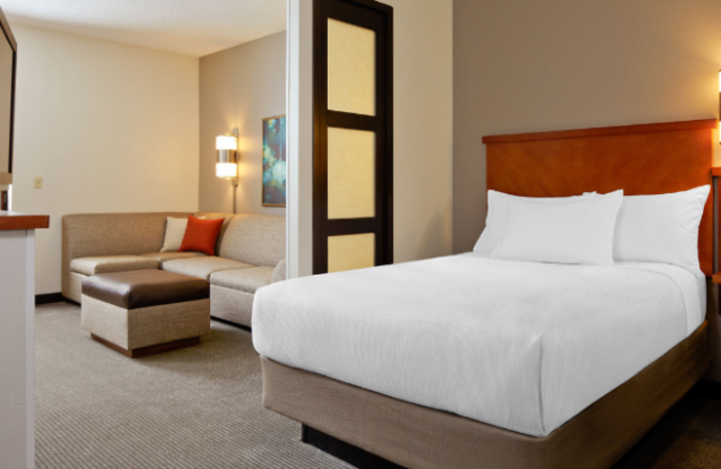 Guest Room at Hyatt Place Chicago/Lombard/Oak Brook