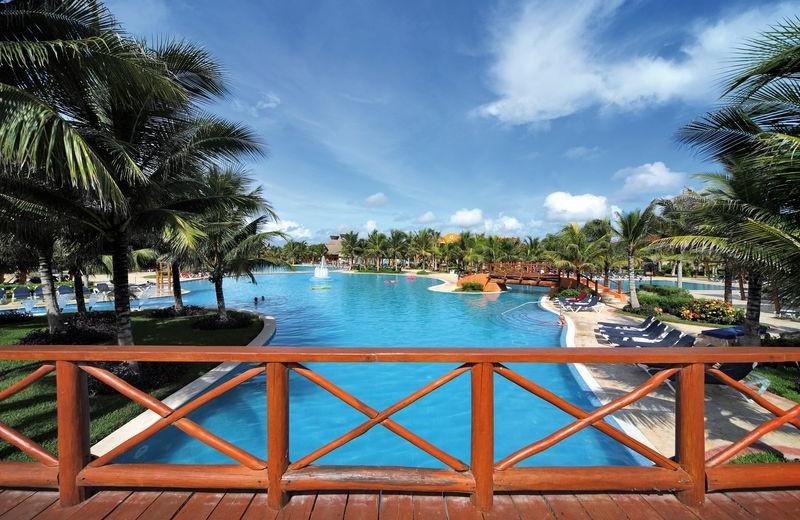 Outdoor Pool at Barceló Maya Tropical