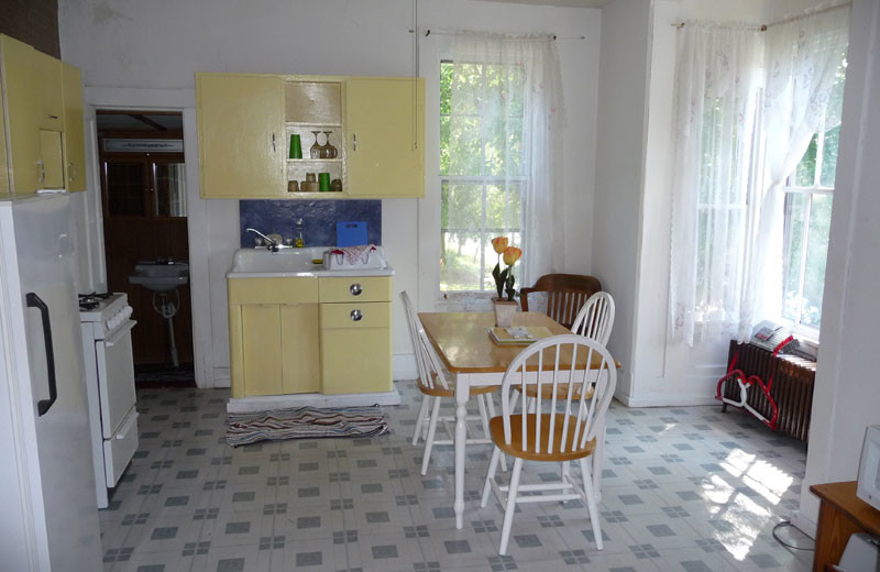 Guest kitchen at The Elms Waterfront Cottages.