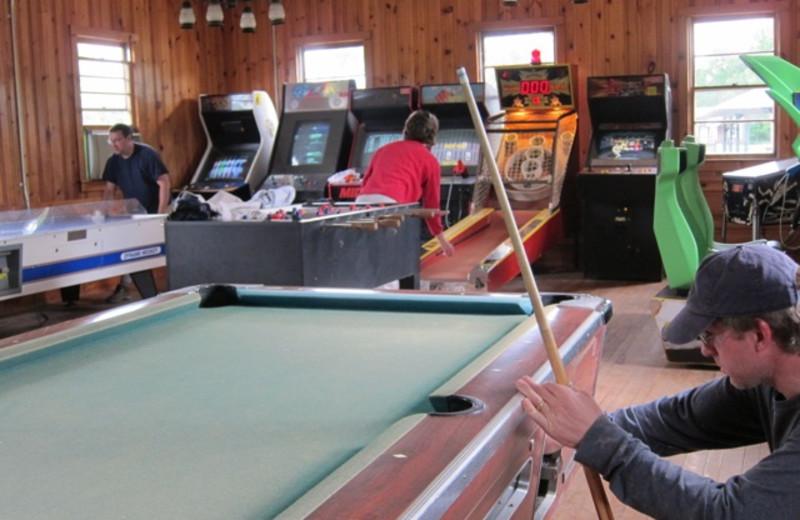 Game room at GrandView CampResort & Cottages.