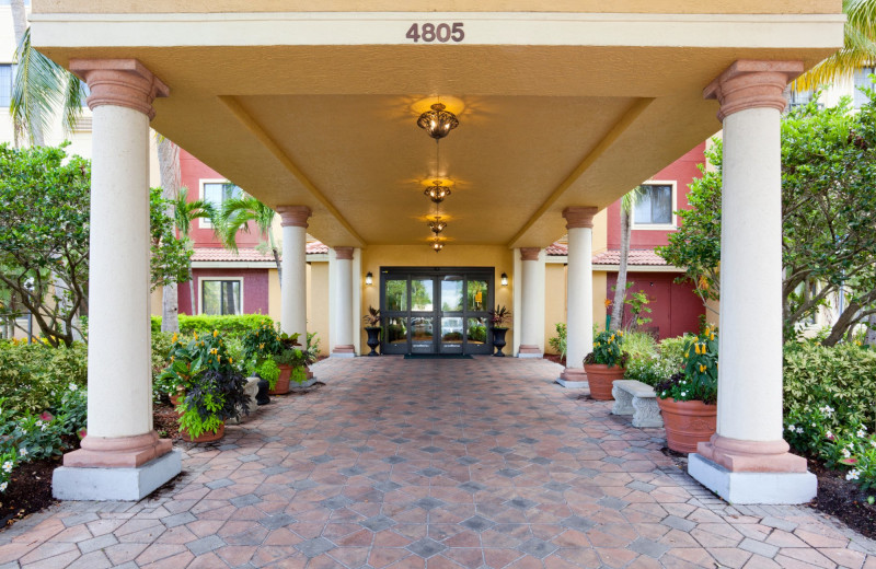 Entrance at Staybridge Suites Naples-Gulf Coast.
