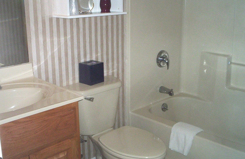 Guest bathroom at Discounted Condominium Rentals.