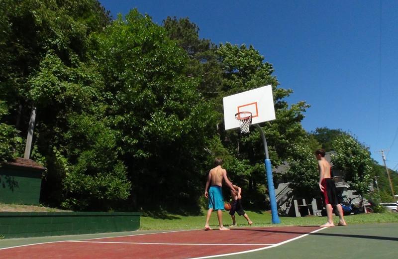 Basketball court Chimney Corners Resort.