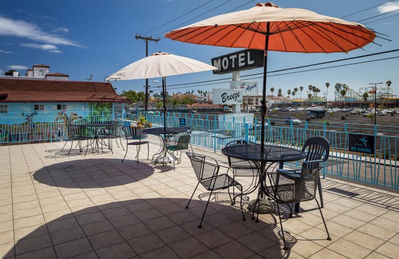 Patio at Aqua Breeze Inn.