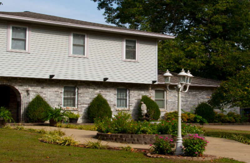 Exterior view of Reuben's Rest Bed and Breakfast.