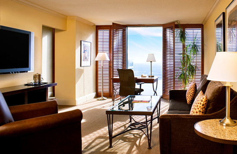 Living Room at Sheraton New Orleans Hotel
