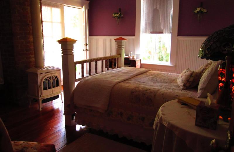 Guest room at Laurel Oak Inn.