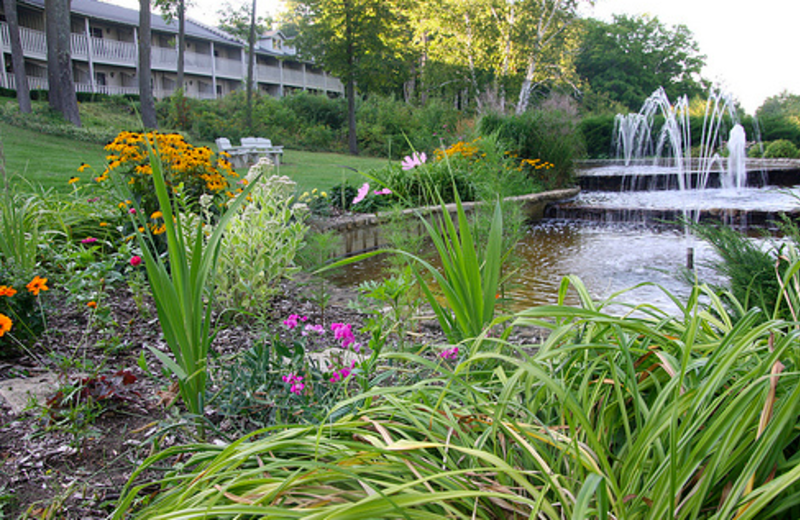 Fountain and gardens at the Country House Resort