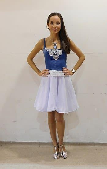 Csipkés pántos ruha fehér szoknyarésszel 1. - Rethy Fashion