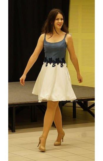 Csipkés pántos ruha fehér szoknyarésszel 2. - Rethy Fashion