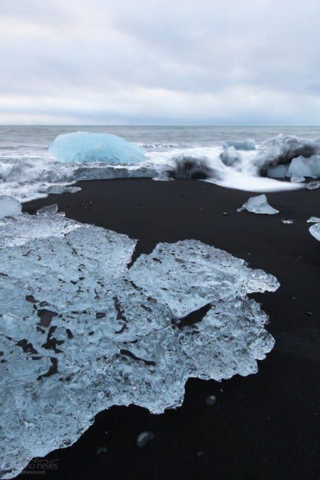 IS_20131229-141239-JU00f6kulsU00e1rlU00f3n-Black-Sand-Beach-II-Iceland_acn_1600L_100JPG