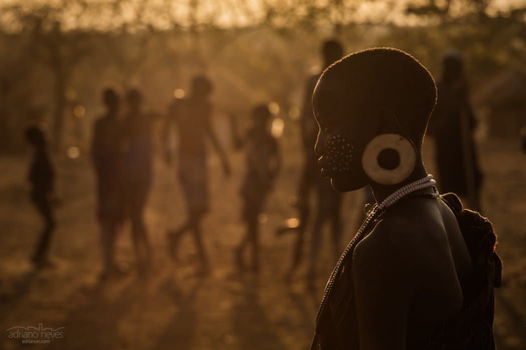 With an Audience - Ethiopia, Omo Valley