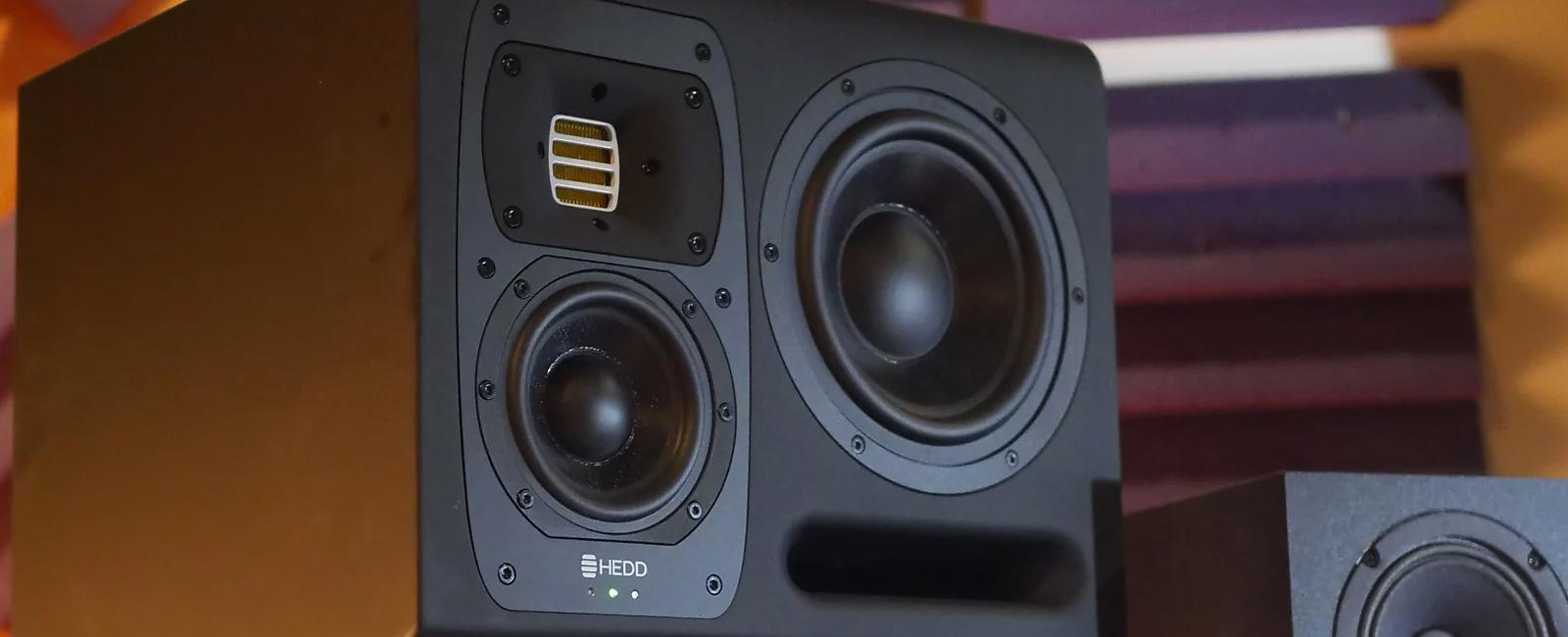 studio monitor buying guide reverb. Black Bedroom Furniture Sets. Home Design Ideas