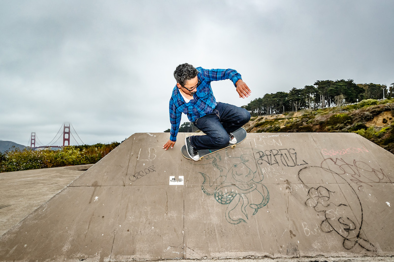 Guerrero skating a bowl