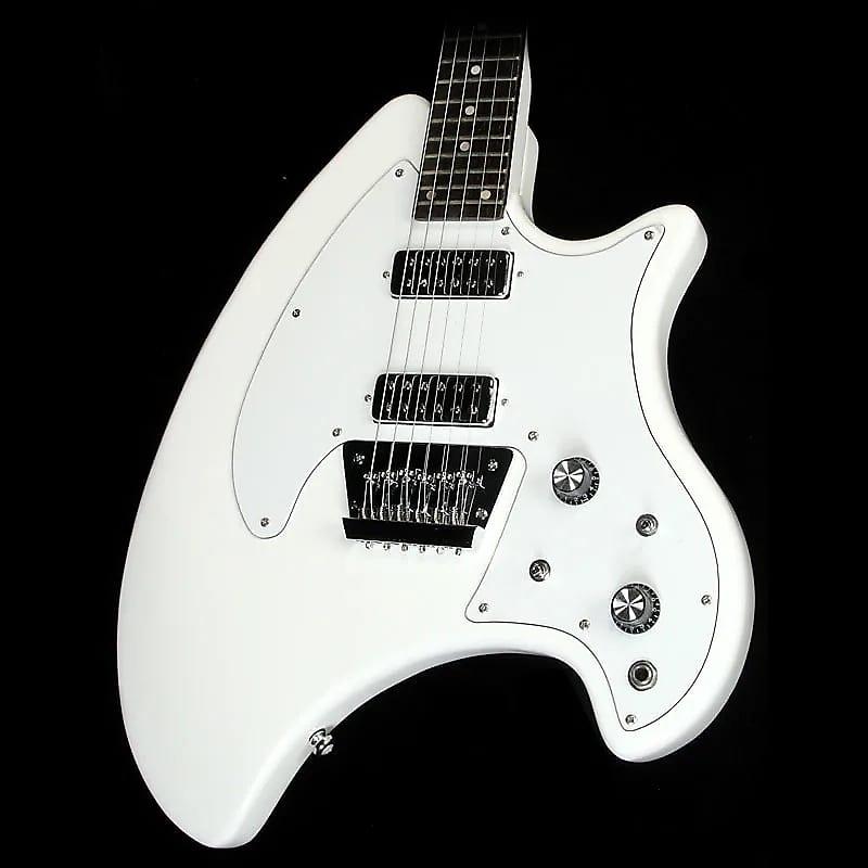 closeup of breadwinner guitar body