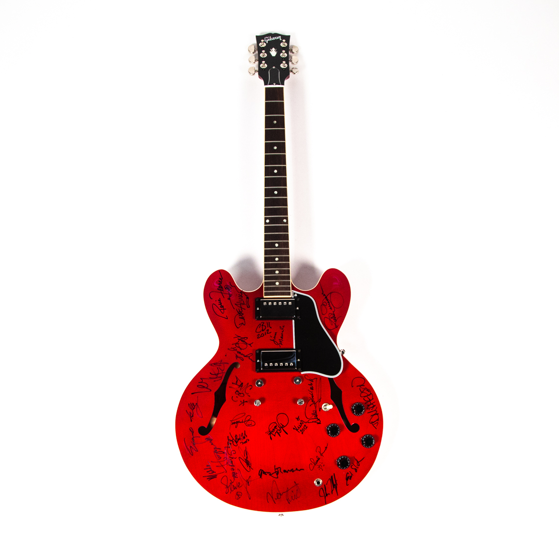 Gibson ES-335 signed by every single performer at Chuck Berry's American Music Masters ceremony