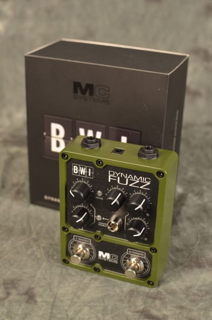 MC Systems BWI Dynamic Fuzz w/ 2 free patch cables 2015