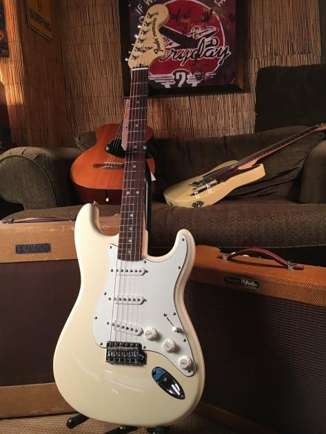 Fender Albert Hammond Jr Stratocaster Strat PICKGUARD Guitar Parts Parchment