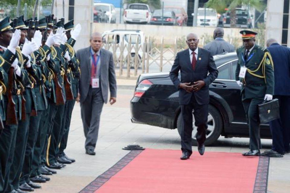 6-cimeira-de-chefes-de-estado-e-de-governo-da-cirgl-francisco-bernardo-jaimagens-620x413_mH0Zxw0ky9x7lXH7F46peCV5incqkxo5
