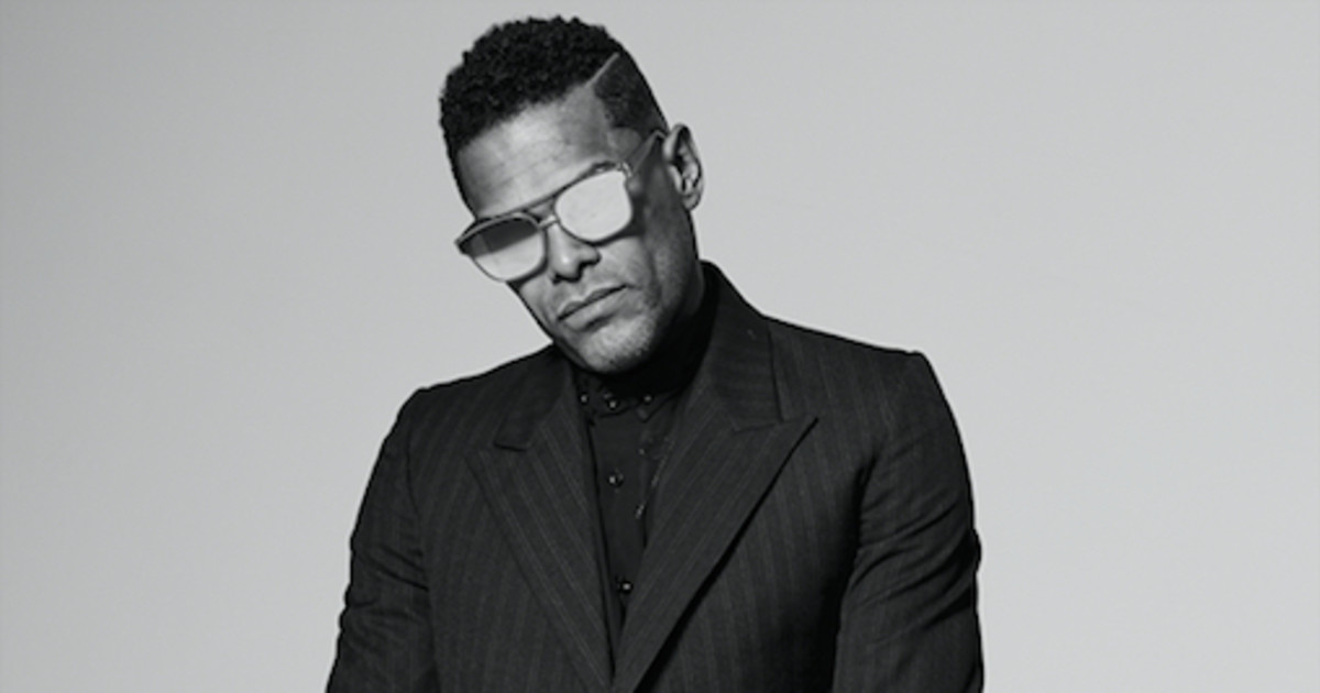 maxwell announces summer arena tour with common ledisi and leela james revolt. Black Bedroom Furniture Sets. Home Design Ideas