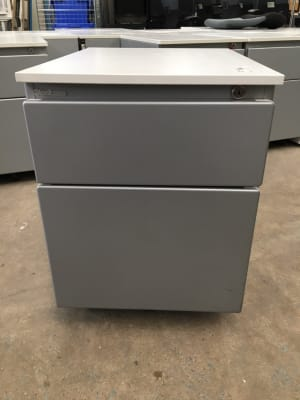 Steelcase Metal pedestal