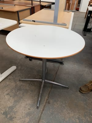 Allermuir Round meeting room table