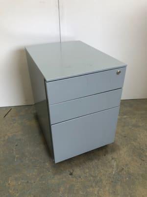 Metal pedestal storage