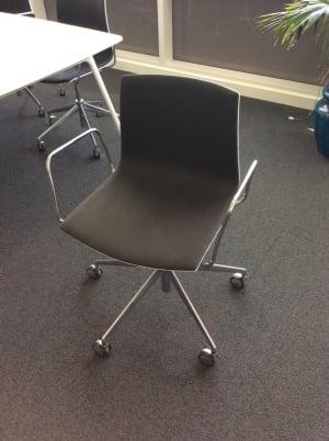Meeting room chair on wheels